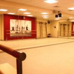 Школа Мэдисон - монтаж напольного покрытия и зеркал